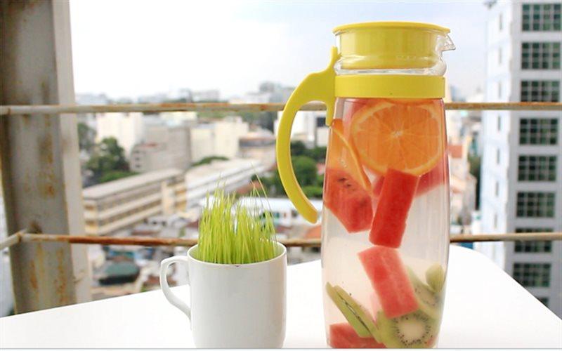 Cách làm nước detox từ cam, kiwi và dưa hấu