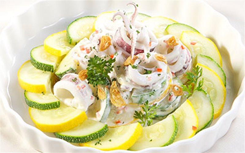 Cách làm salad bí ngòi