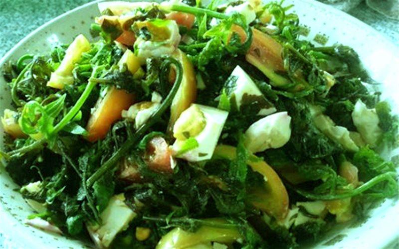 Cách làm salad rau dớn trứng muối