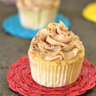 Cách làm Cupcake Tiramisu vị phô mai, xinh xắn, mềm ngon