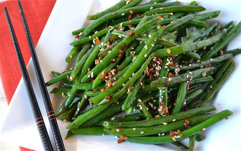 Cách làm Đậu Que Xào Mè tươi xanh, thanh đạm và ngon cơm