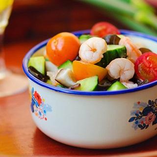 Cách làm salad tôm với rau nấm