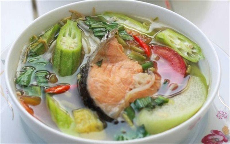 Cách làm Canh Chua Đầu Cá Hồi beo béo cực bổ dưỡng