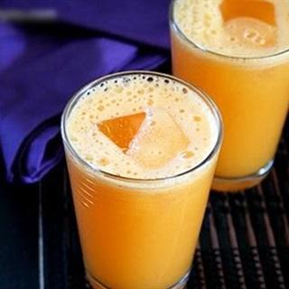 Cách làm nước ép thơm mix cà rốt