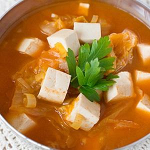 Canh kimchi nấu thịt nạc