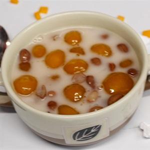 Chè bí đỏ đậu phộng