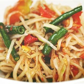 Cách làm Gỏi Đu Đủ Thái Lan - Som Tum chua ngọt hài hòa