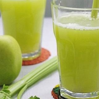 Cách làm nước ép cần tây mix táo