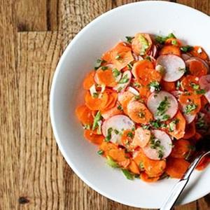 Gỏi củ cải đỏ cà rốt