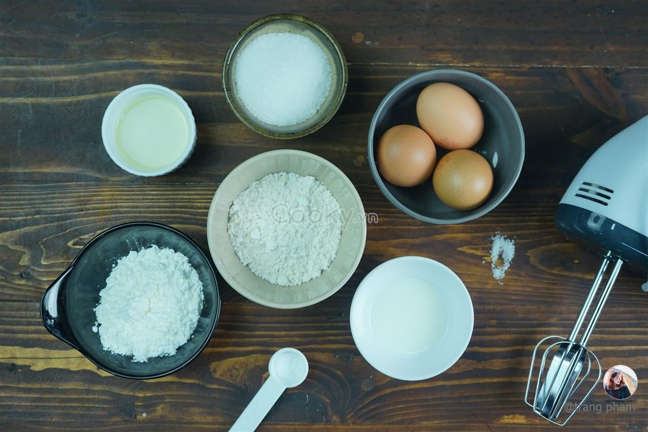 Cách Làm Bánh Bông Lan Trứng Muối Thơm Ngon Đúng Chuẩn - ảnh 1.