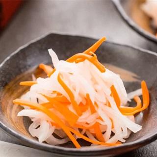 Cách làm cà rốt và củ cải ngâm chua