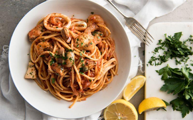 Cách làm spaghetti sốt tôm mực