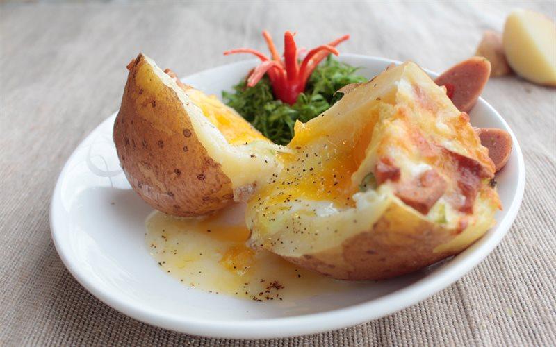 Khoai tây nướng phô mai trứng
