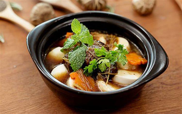 Cách làm đậu hũ non om nấm hương