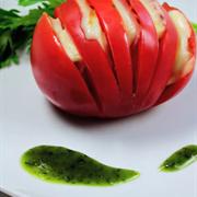 Cà chua kẹp thịt xông khói nướng giấy bạc