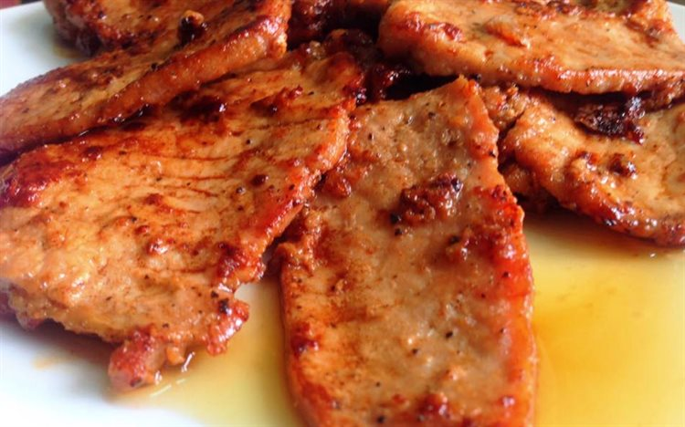 Cách làm thịt thăn heo rim nước dừa tươi