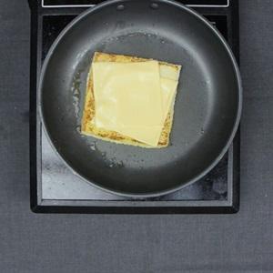 Sandwich kẹp phô mai áp chảo