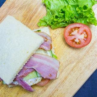 Cách làm sandwich kẹp jambon - bacon