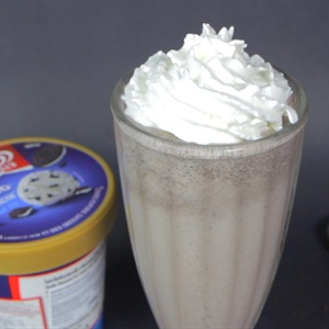 Milkshake Wall's Oreo