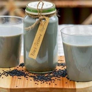 Cách làm Sữa Mè Đen thơm ngon giúp da đẹp, dáng xinh
