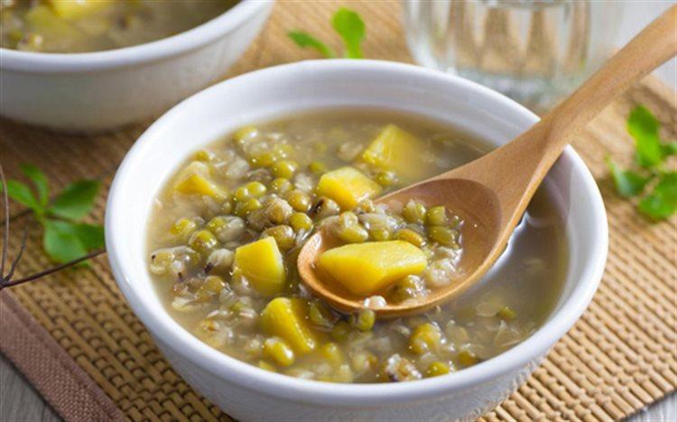 Cách làm chè đậu xanh nấu khoai lang
