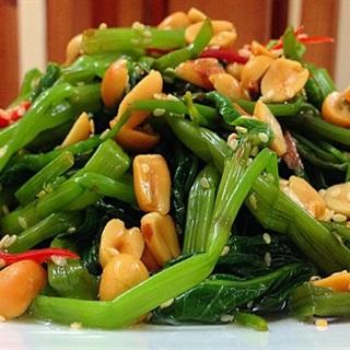 Cách làm gỏi rau muống đậu phộng cực ngon