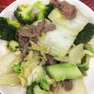 Cách làm cải thảo xào thịt bò bông cải xanh