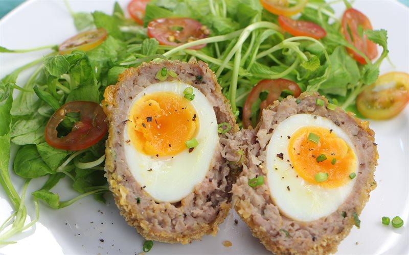 Cách làm Scotch Egg - Thịt bọc trứng chiên xù