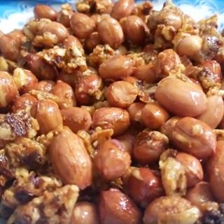 Cách làm Đậu Phộng Rang Tỏi Ớt cay bùi, ăn hoài không ngán