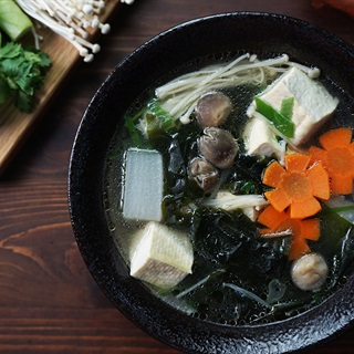 Cách nấu Canh Rong Biển Đậu Hũ Chay thanh đạm cho ngày chay