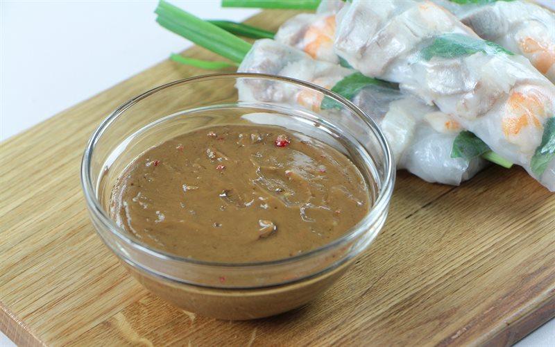 Cách làm nước tương bơ đậu phộng chấm gỏi cuốn