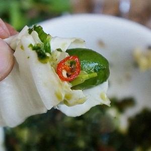 Bắp cải cuộn nhót xanh