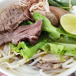 Cách nấu bún bò Huế đậm chất miền Trung