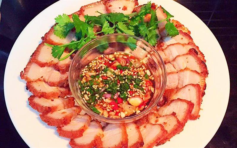 Cách làm thịt ba rọi chiên kiểu Thái