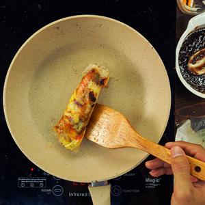 Bánh tráng mắm ruốc bằng chảo chống dính