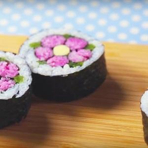 Trang trí Sushi hình hoa đào Nhật Bản - Ume Sushi Roll