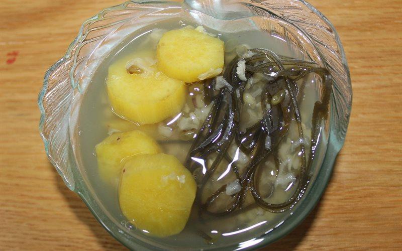 Cách làm chè đậu xanh khoai lang bùi