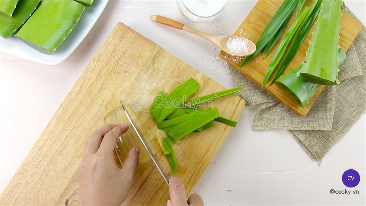 Cách Nấu Nha Đam Đường Phèn đúng chuẩn giúp giải khát và thanh lọc cơ thể