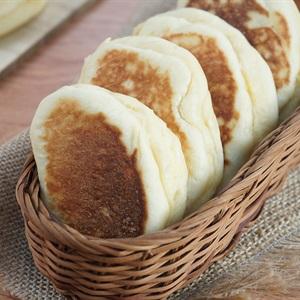 Bánh mì nhân Custard bằng chảo chống dính