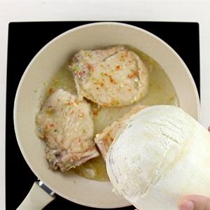 Sườn ram nước dừa