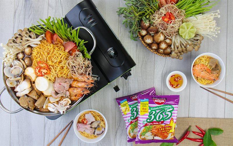 Cách nấu Mì lẩu Thái hải sản chua cay
