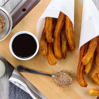 Churros - Bánh quẩy chiên giòn từ Tây Ban Nha
