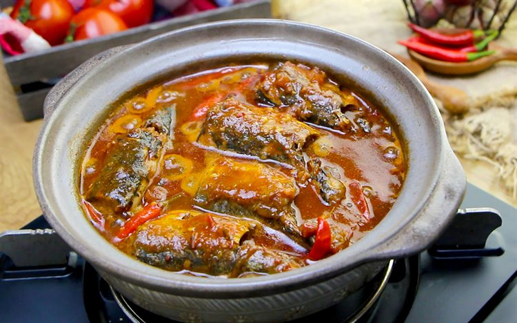 Cách nấu Cá nục kho cà