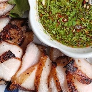 Cách làm thịt áp chảo kiểu Thái