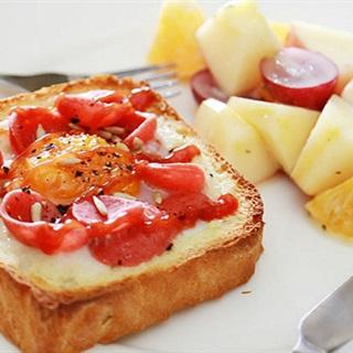 Cách làm bánh sandwich trứng xúc xích