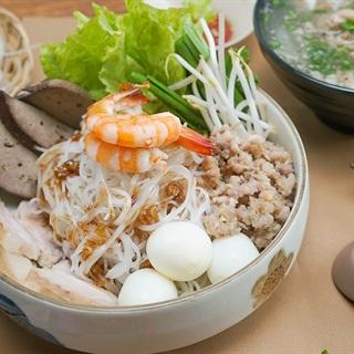 Cách nấu Hủ Tiếu Nam Vang nước trong, vị thanh ngọt