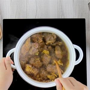 Cách nấu thịt Bò sốt vang - ảnh 2.