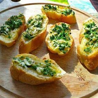 Bánh mì tỏi bơ