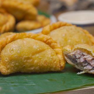Cách Làm Bánh Gối Nhân Thịt | Đơn Giản, Giòn Ngon