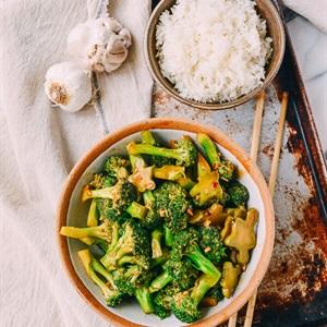 Bông cải xanh xào sốt tỏi